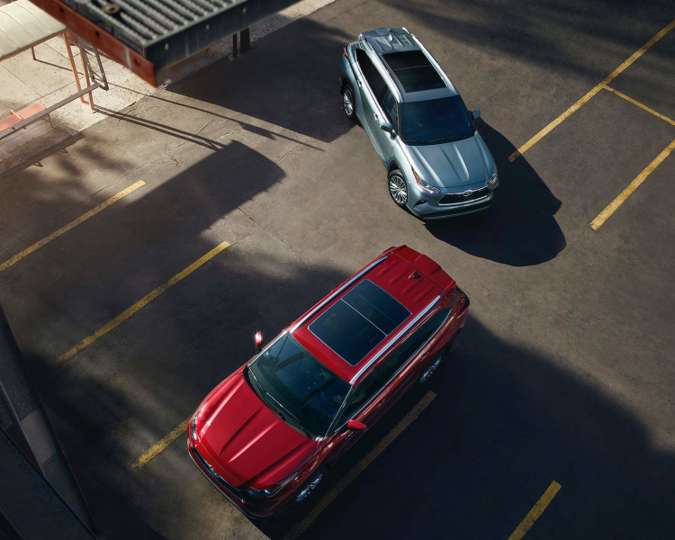 2021 Toyota Highlander - Grey and Red Exterior